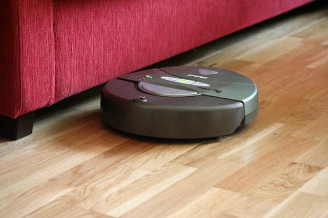 מה עדיף - שואב אבק מרכזי או רובוטי?